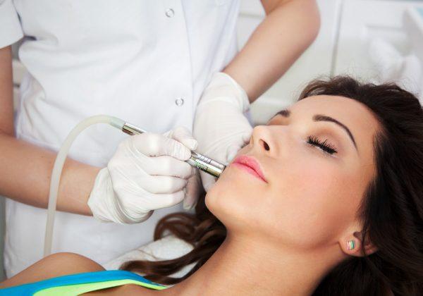 woman getting medispa treatment