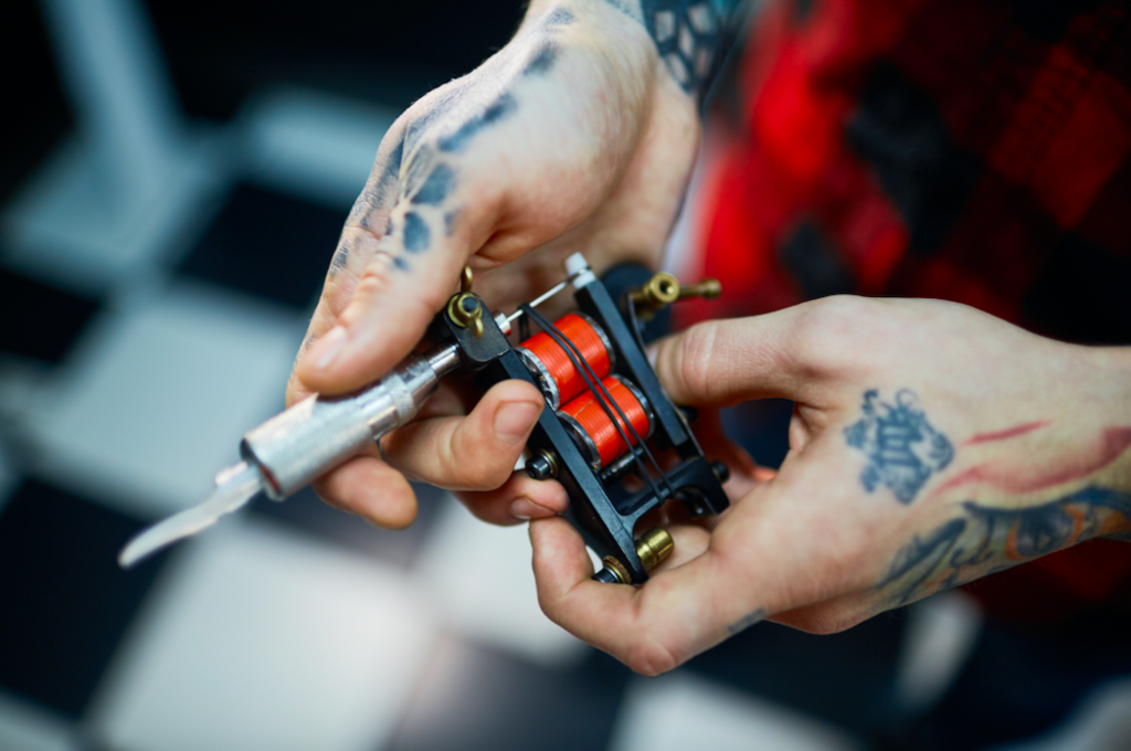 Safe tattoo practices, tattoo shop must haves, tattooing safely, standards, health and safety, warning signs